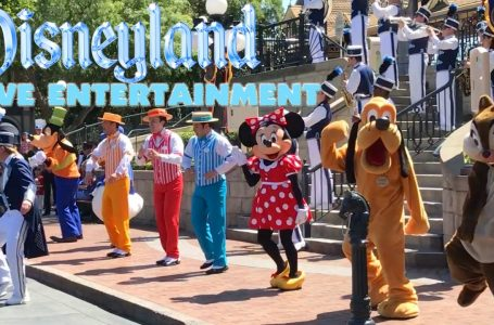 DISNEYLAND LIVE ENTERTAINMENT (Disneyland Band, Dapper Dans & more!)