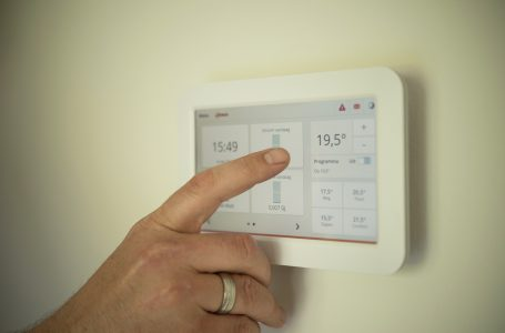 Common Uses of Temperature Controllers